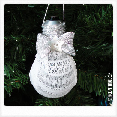 Decorate L Albero Con Pompon E Piccole Decorazioni Di Carta Pictures to pin o...